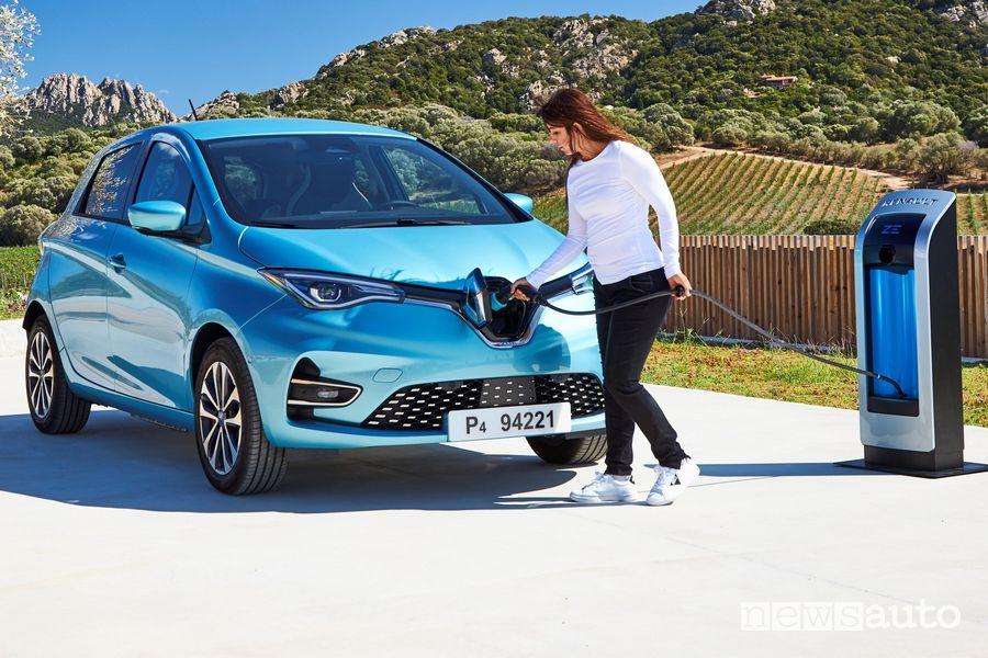 Operazione di ricarica Renault Zoe 2020