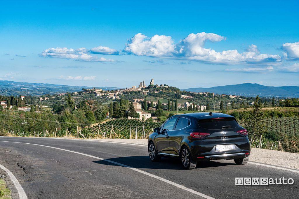 Vista posteriore Renault Clio Initiale Paris 2020