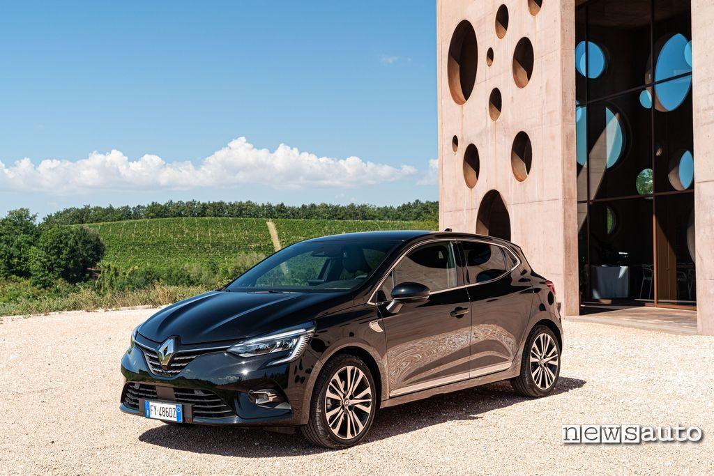 Vista anteriore Renault Clio 2020