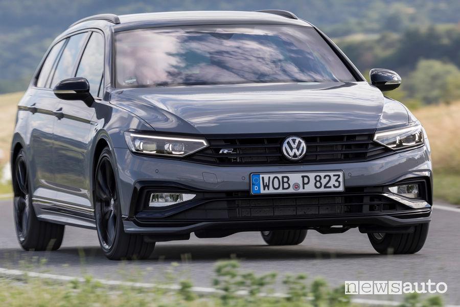 Nuova Volkswagen Passat 2.0 TDI Evo 150 CV