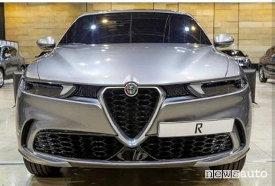 Il nuovo SUV Alfa Romeo Tonale pronto a fare il suo debutto nel 2022.