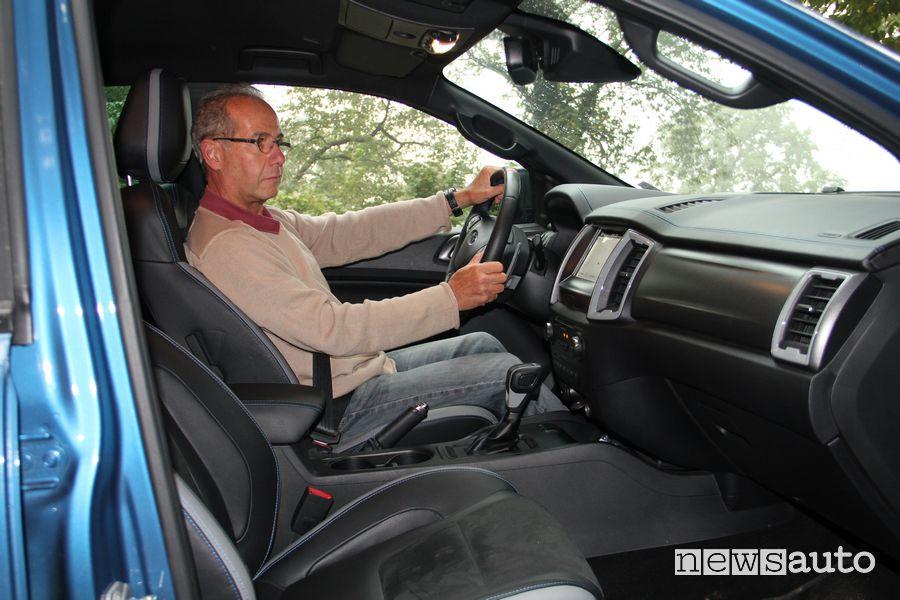 Eugenio Martignani al posto di guida del Ford Raptor durante la prova in off road
