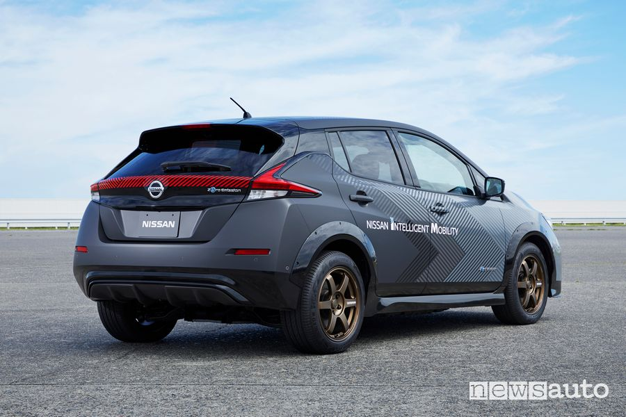 Vista posteriore prototipo Nissan Leaf