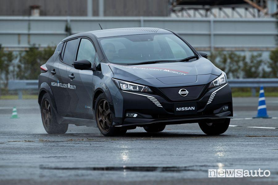 Prototipo Nissan Leaf in pista