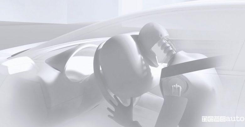 Incidenti auto elettriche folgorazioni airbag