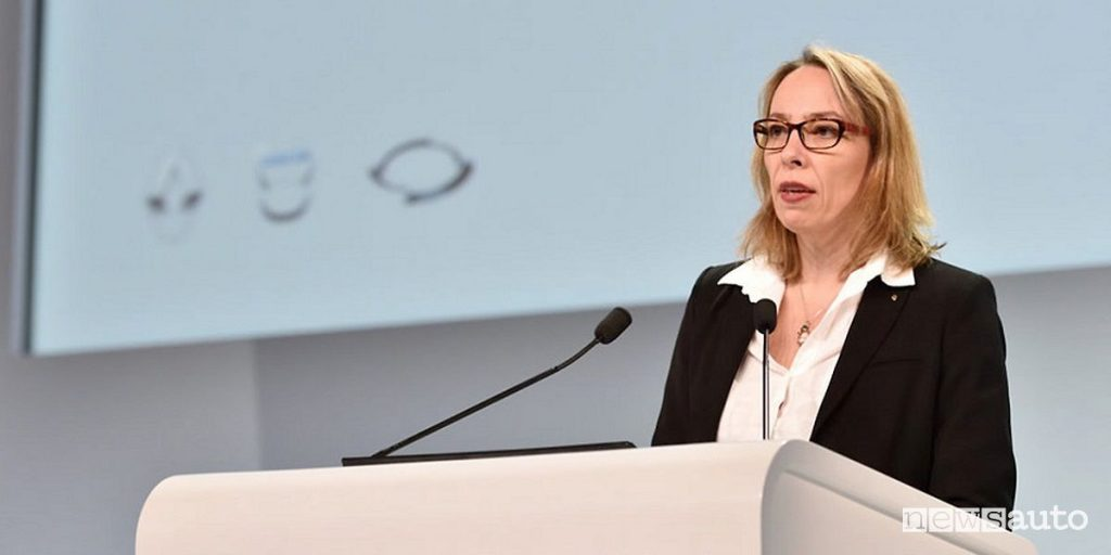 Clotilde Delbos, Direttore Generale ad interim di Renault