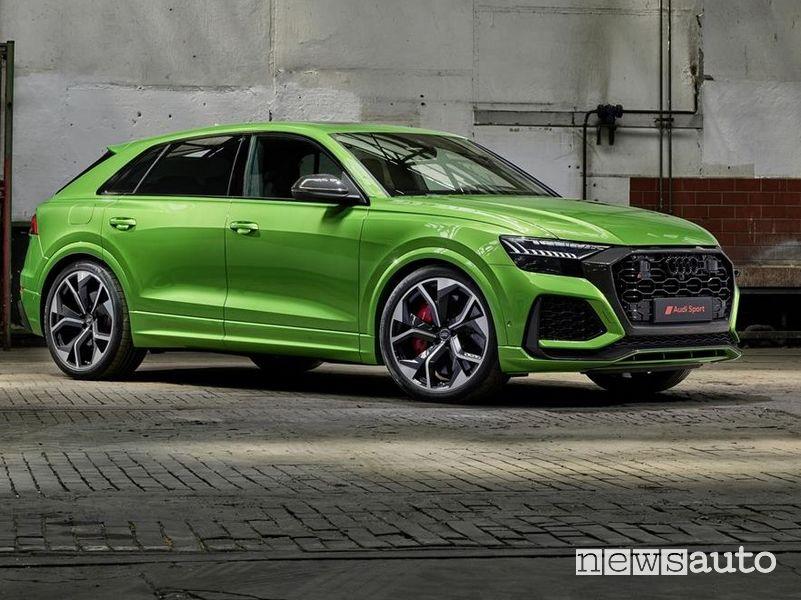 Vista di profilo Audi RS Q8
