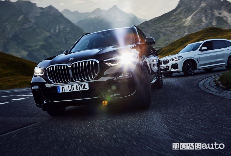 Frontale BMW X3 xDrive 30e ibrida plug-in