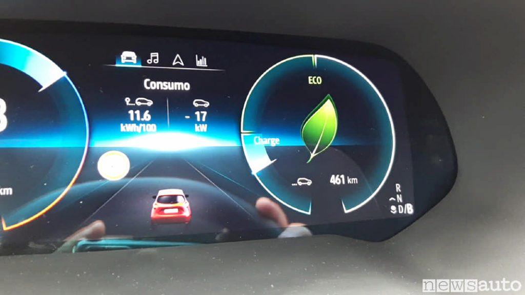 Nell'angolo destro in basso del cruscotto digitale è indicata la modalità di guida inserita.