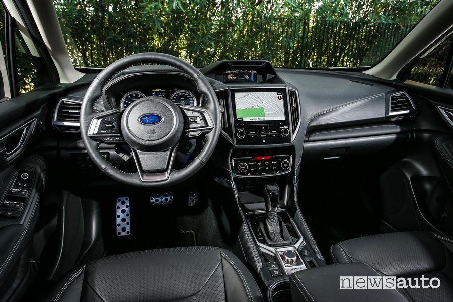 Volante, interni, plancia strumenti Subaru Forester e-BOXER