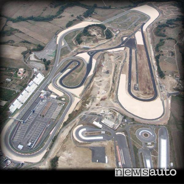 Vista aerea dell'Autodromo di Vallelunga nel 2005