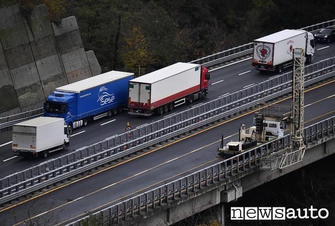 maltempo italia autostrada liguria