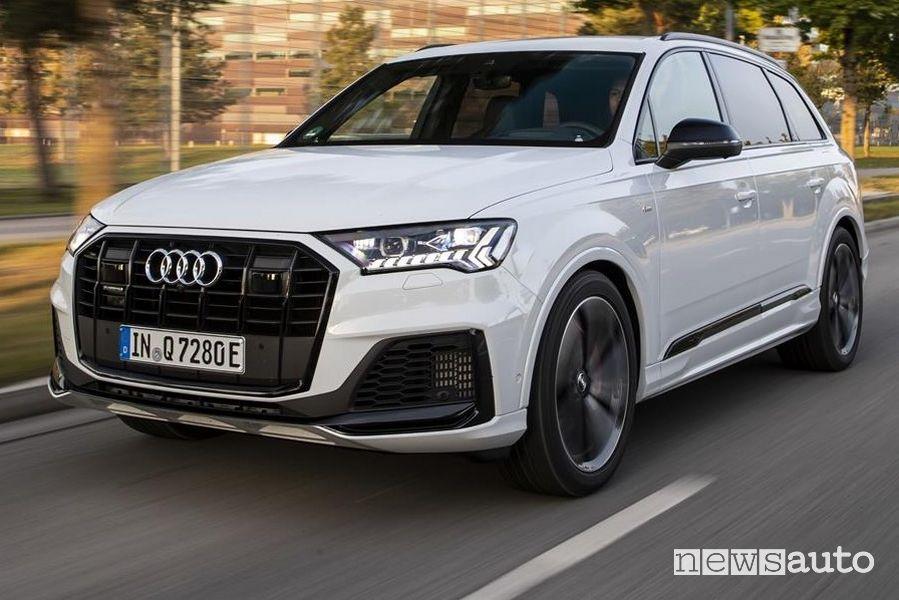 Frontale, paraurti anteriore Audi Q7 TFSI e quattro SUV plug-in