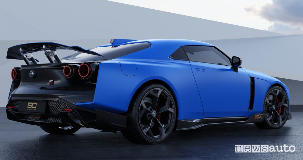 Vista laterale Nissan GT-R50 by Italdesign rendering Blue