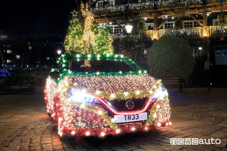 Nissan Leaf luminaria di Natale