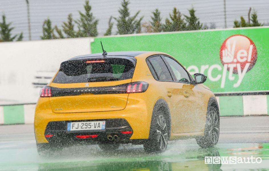Peugeot 208 2^ classificata nella classifica del premio Autobest 2020