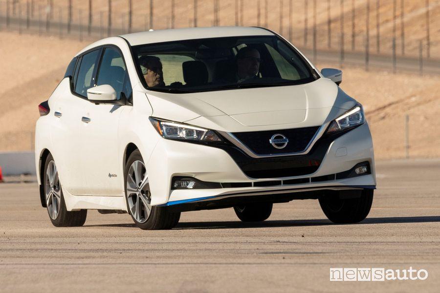 Nissan Leaf elettrica trazione integrale e-4ORCE