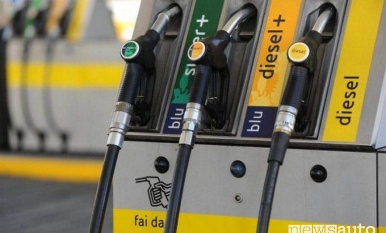 """Prezzi carburante in aumento in modalità self-service """"fai da te"""""""