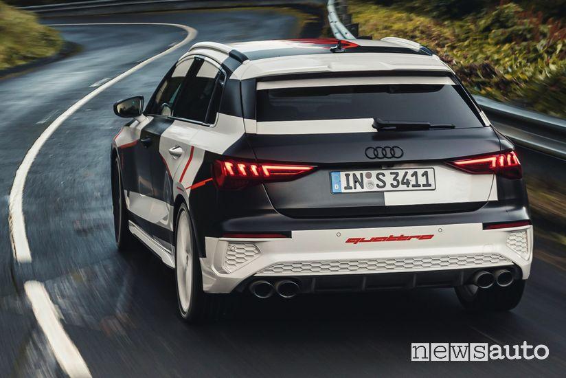 Inserimento in curva Audi A3 Sportback 2020 camuffata prototipo