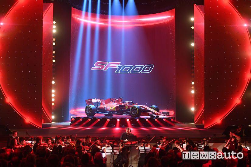 Presentazione nel teatro di Reggio Emilia della Ferrari SF1000
