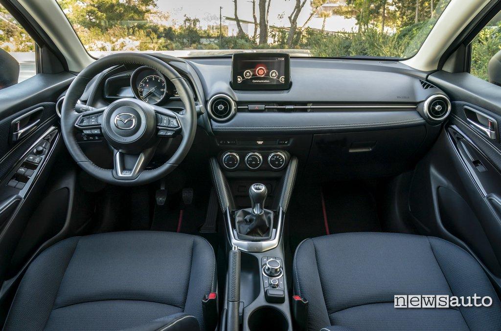 Interni Mazda2 2020