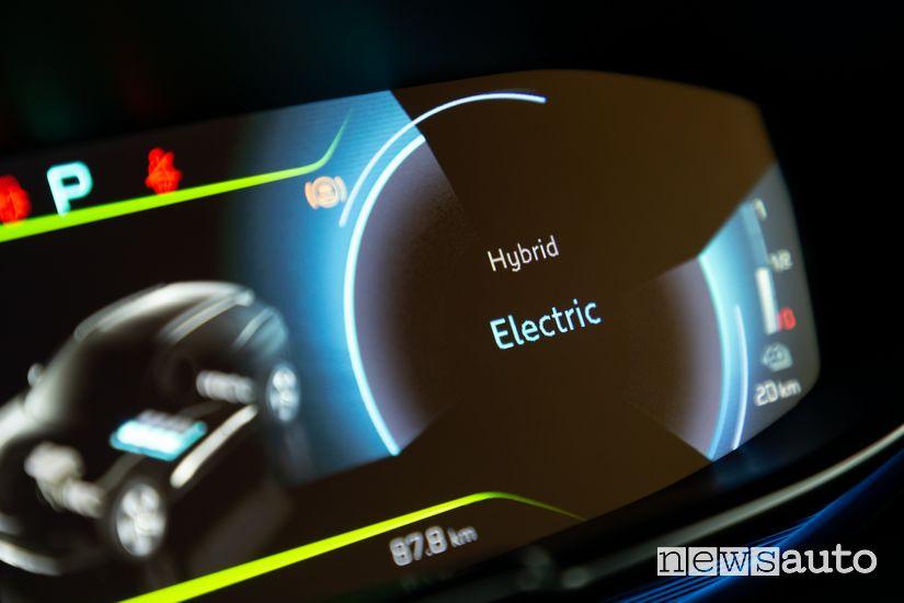 Schermata modalità di guida Electric quadro strumenti Peugeot 3008 Hybrid4 Plug-In