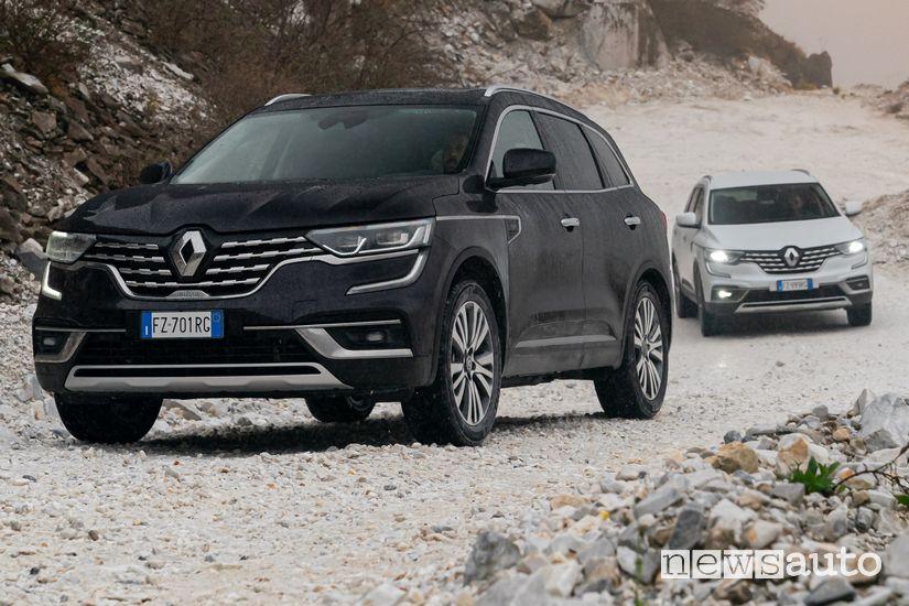 Renault Koleos Initiale Paris nella cava di Marmo di Carrara