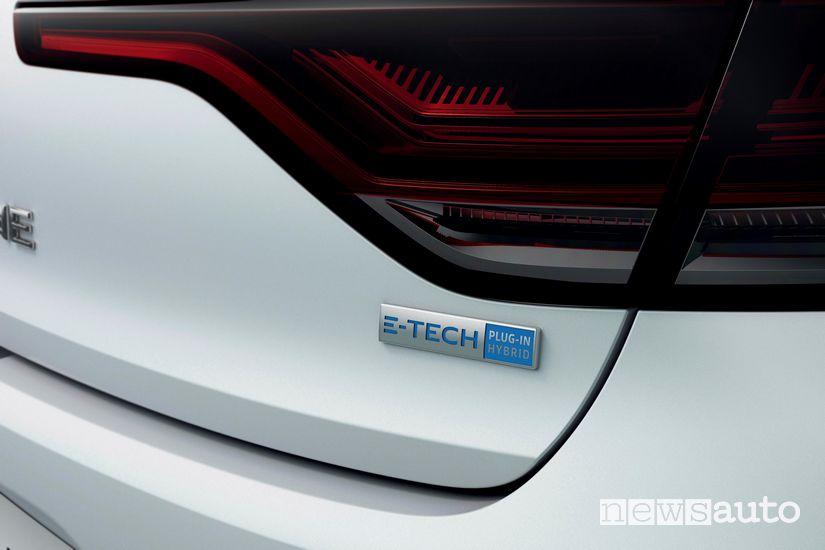 Badge E-Tech plug-In Hybrid sul portellone posteriore della Renault Megane E-Tech Plug-in