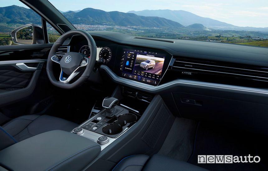 Infotainment, comandi consolle centrale Volkswagen Touareg R plug-in PHEV