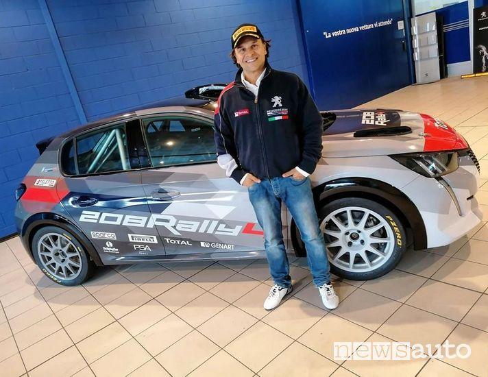Paolo Andreucci con la  Peugeot 208 Rally4