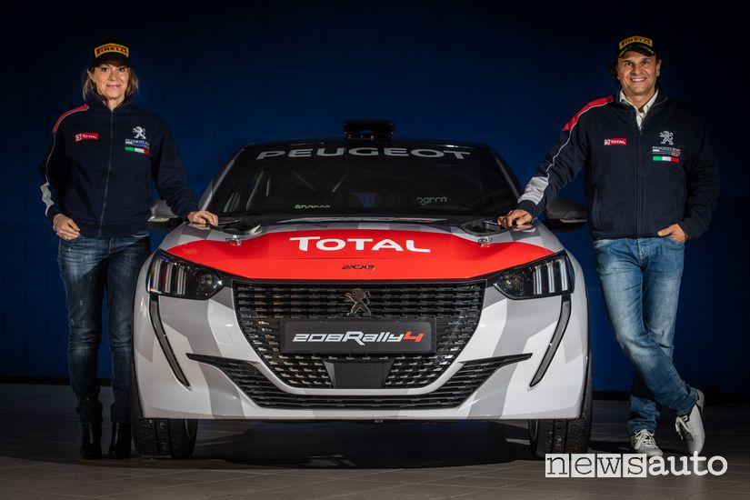 Paolo Andreucci e Anna Andreussi con la Peugeot 208 Rally 4