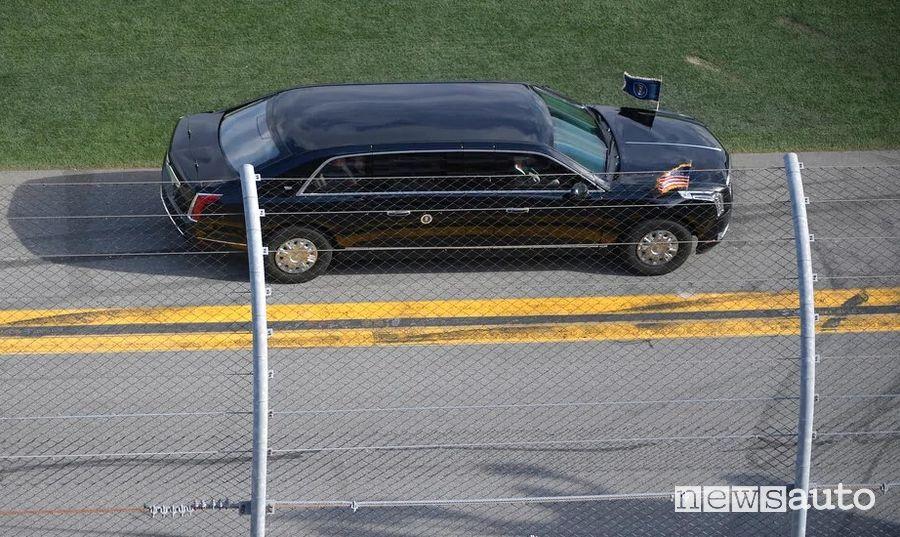 limousine presidenziale di Donald Trump sulla pista di Daytona