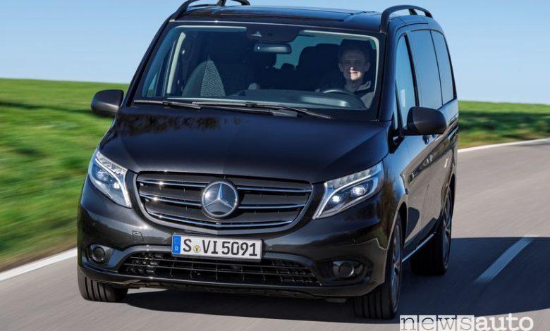 Vista anteriore Mercedes-Benz Vito Tourer 2020