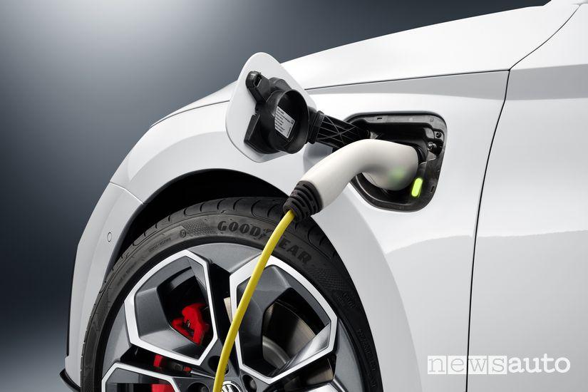 Ricarica Škoda Octavia RS iV plug-in PHEV