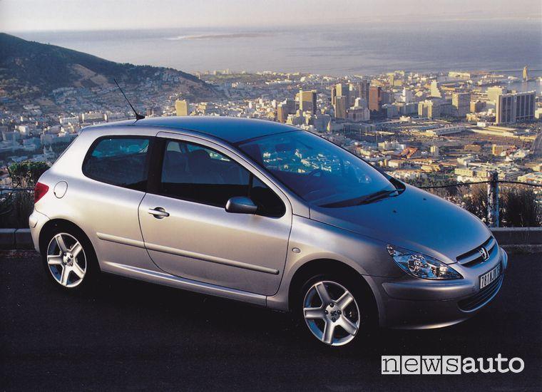 Peugeot 307 Auto dell'Anno 2002