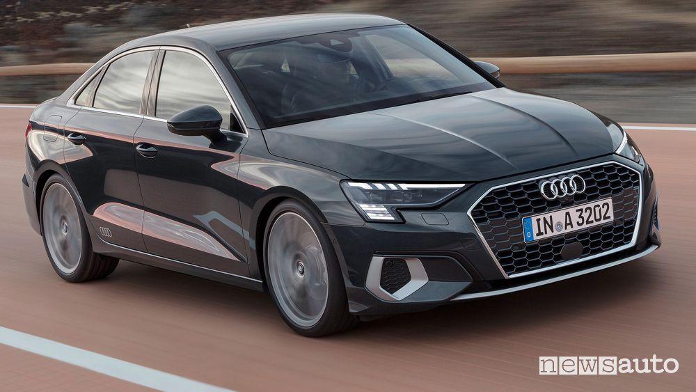 Vista di profilo Audi A3 Sedan