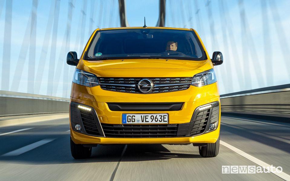 Vista anteriore Opel Vivaro-e elettrico
