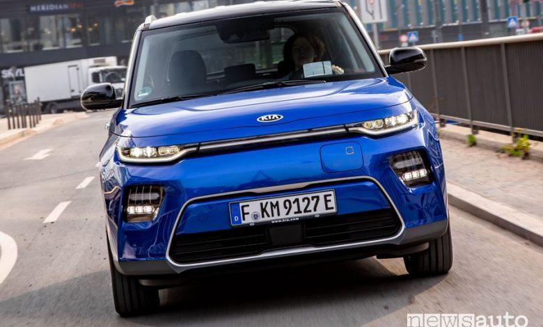 Vista anteriore Kia e-Soul elettrica EV