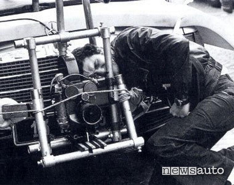 La Mercedes 450 Sel V8 del regista Lelouch durante le riprese del cortometraggio del 1976 C'était un rendez-vous