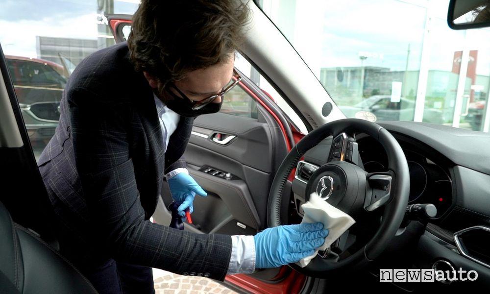 Sanificazione auto e mani
