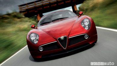 Photo of Alfa Romeo 8C Competizione, la storia della sportiva V8 da 450 CV