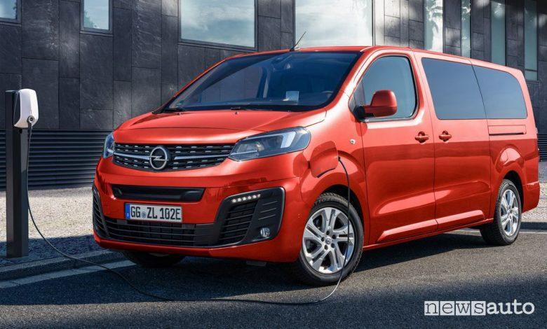 Ricarica da colonnina domestica Opel Zafira-e Life elettrica
