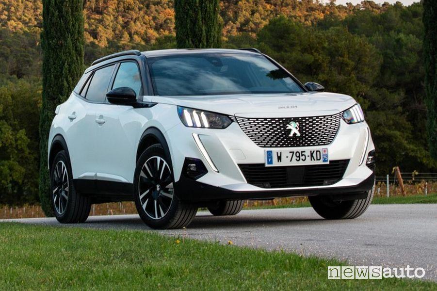 Peugeot e-2008 elettrica del 2019