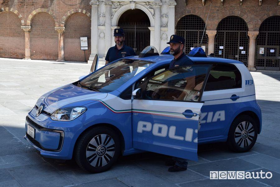 La Polizia di Verona con la Volkswagen e-up! elettrica