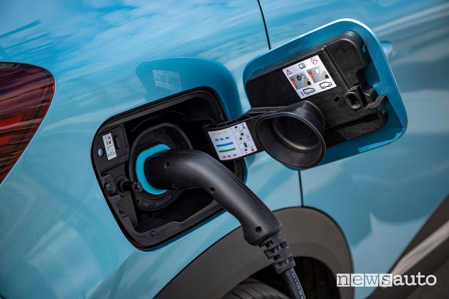 Ricarica Renault Captur E-Tech ibrido plug-in