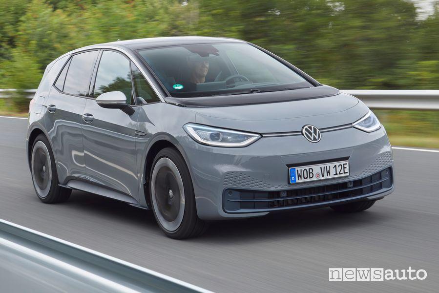Vista anteriore Volkswagen ID.3 1ST grigia