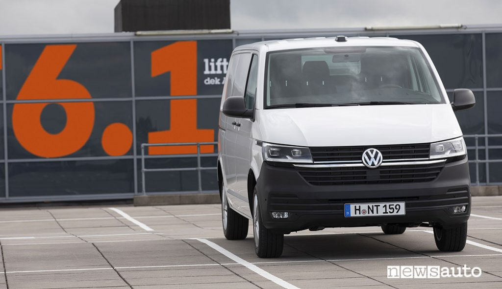 Furgoni medi. Volkswagen Transporter 6.1