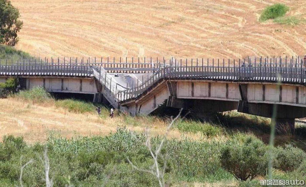 Altro ponte crollato in Sicilia è quello della SS626 che collega Ragusa con Licata in provincia di Agrigento