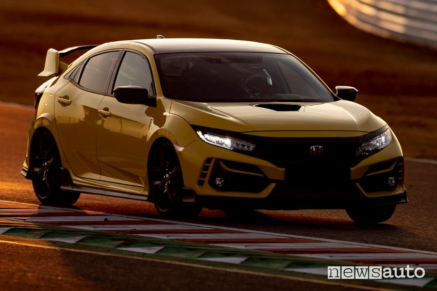 Honda Civic Type R Limited Edition sulla pista di Suzuka
