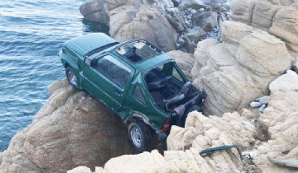 Il secondo Suzki Jimny coinvolto nell'incidente mortale nell'isola di Mykonos finito sulle rocce degli scogli